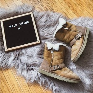 Ugg boot buckle tan warm winter snow comfy cozy
